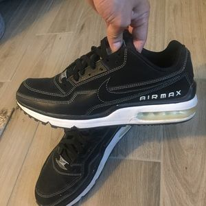 Nike Air Max Black and White Sneakers